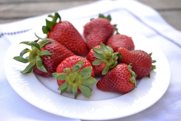 strawberry plate
